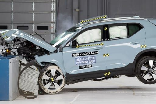 2019 Volvo Xc40 Xc60 Suvs Score Well In Crash Tests Best Luxury