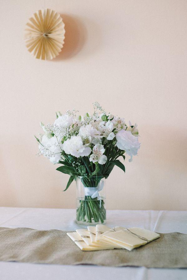 dekoracja na stole, kwiaty, wesele | zdjęcie:  PhotoDuet    |    florystyka, dodatki, poligrafia: minwedding
