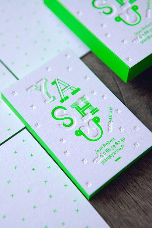 Cartes de visite Graphiste YASHU, impression vert fluo 802U en recto verso débossage sans encre sur coton 600g / business cards printed in neon pantone green 802U blind deboss and edge-painting onto 600gsm cotton paper