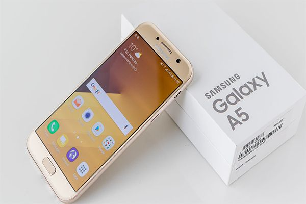 The Samsung Galaxy A5 (2016) is powered by 1.6GHz octa-core it comes with 2GB of RAM. The phone packs 16GB of internal storage that can be expanded up to 128GB via a microSD card. As far as the cameras are concerned, the Samsung Galaxy A5 (2016) packs a 13-megapixel primary camera on the rear and a 5-megapixel front shooter for selfies.