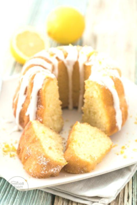 This simple recipe for lemon cake with yoghurt and oil is just 10 minutes …