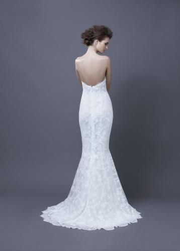 Igen Szalon Enzoani wedding dress- Heli-D #igenszalon #Enzoani #weddingdress #bridalgown #eskuvoiruha #menyasszonyiruha #eskuvo #menyasszony #Budapest