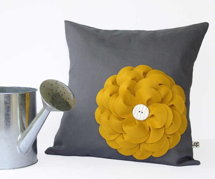Salon Gris Et Jaune Moutarde : Yellow and Gray Flower Pillow Covers