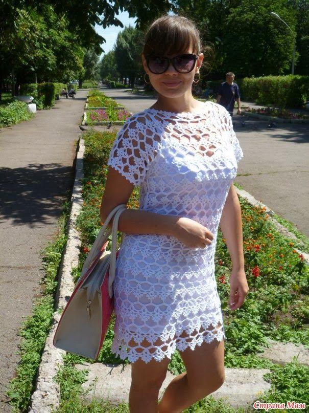 Vestido branco em crochê