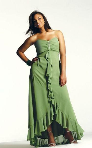 Best 20+ Plus size bridesmaids gowns ideas on Pinterest   Curve ...