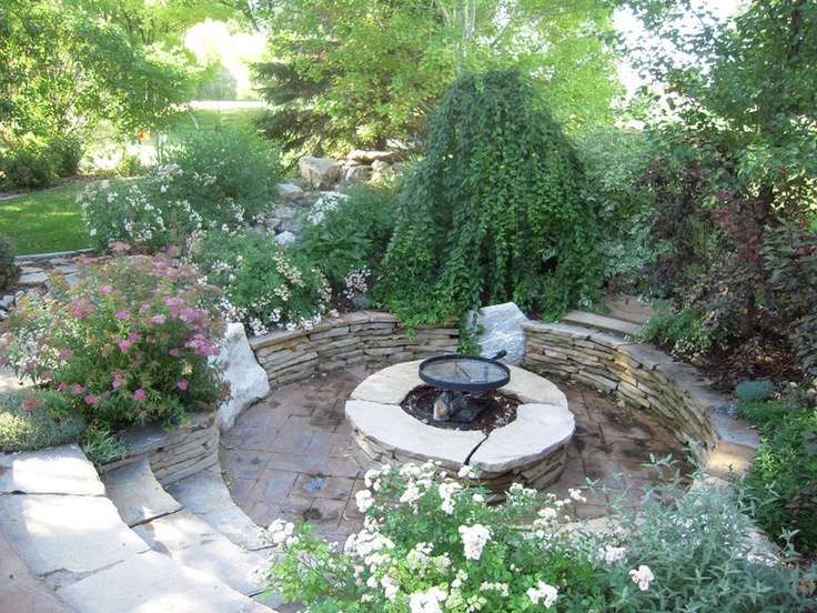 117 best images about outside on pinterest fire pits landscaping and river rock patio - Types fire pits cozy outdoor spaces ...