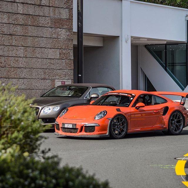 Porsche 911 GT3 RS Tryna hide? 🌳 •••••••••••••••••••• Follow my Bro @luxuryspotter •••••••••••••••••••• Member of @teamwolcars •••••••••••••••••••• Repost with Credit •••••••••••••••••••• #swiss_cars#autogespot#autoscommunity#teamwolcars#supercarsdaily700#itswhitenoise#kuwait#qatar#dubai#london#zurich#monaco#carporn#cargram#carspotting#carinstagram#carlifestyle#porsche911gt3rs#porsche911#porsche#911gt3rs#911#gt3rs#porschedesign#porscheclub#montecarlo