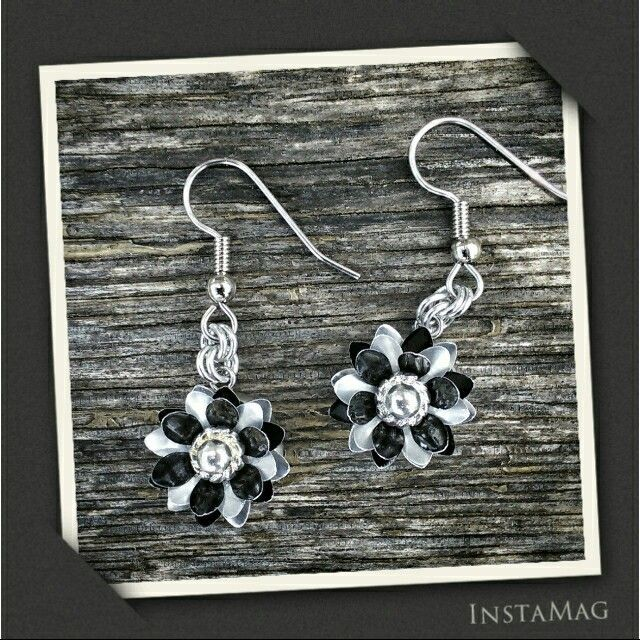 Another customer order from my upcycled designs. Layered flower earrings made from soft drink can aluminium #handmade #handcrafted #earrings #jewellery #jewelry #upcycled #recycle #Blackstarr