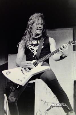 James Hetfield, Metallica ...  Welcome to where time stands still No one leaves and no one will ... Sanatorium, LEAVE ME BE! <3