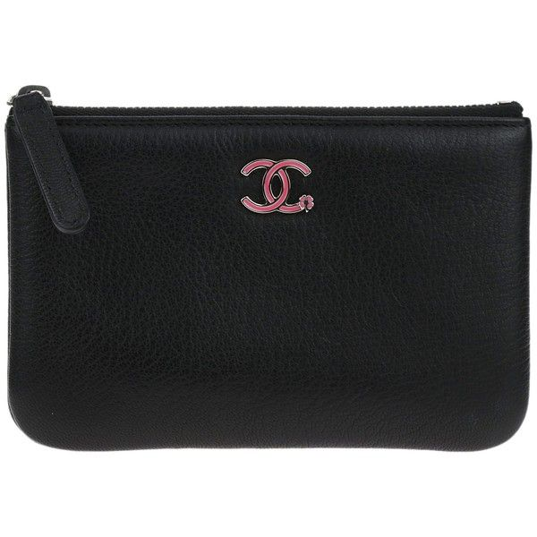 Pre-owned Chanel Black Goatskin CC Clover Small Cosmetic Case (2,425 PEN) ❤ liked on Polyvore featuring beauty products, beauty accessories, bags & cases, toiletry bag, chanel makeup bag, cosmetic bag, make up bag and make up purse