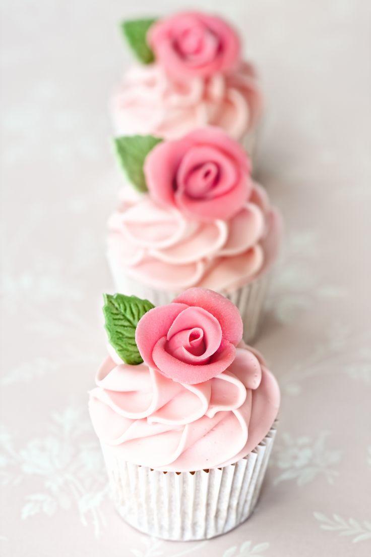 Ever so pretty cup cakes!