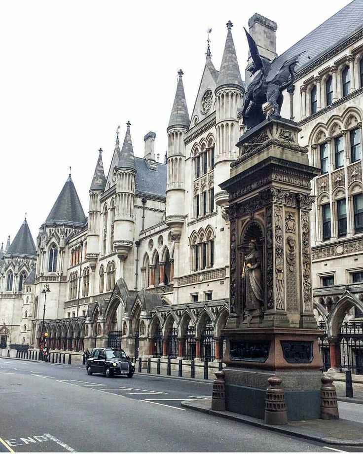 Fleet Street LondonSweeney Todd: The Demon Barber of Fleet Street