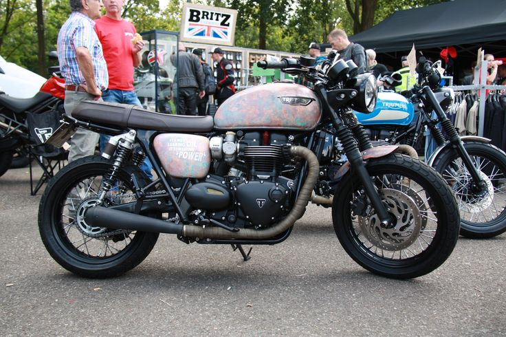 This Bonneville 1200 was wrapped!