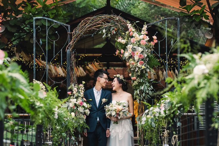 It was a woodland-inspired dream at Nosh, Rochester Park, as Sean and Dawn celebrated their nuptials in a whimsical setting filled with flowers. With the help of their wedding planner, Jessica of Wedrock Weddings, this bashful pair dressed the night with stars and created an enchanting evening for their guests, as captured by Bloc Memoire Photograp...