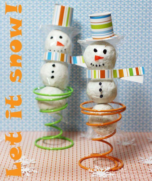 DIY donut snowman treatsDonuts Hole, Treats Bags, Plastic Bags, Cellos Bags, Edible Crafts, Diy Snowman, Food Crafts, Snowman Treats, Bags Treats