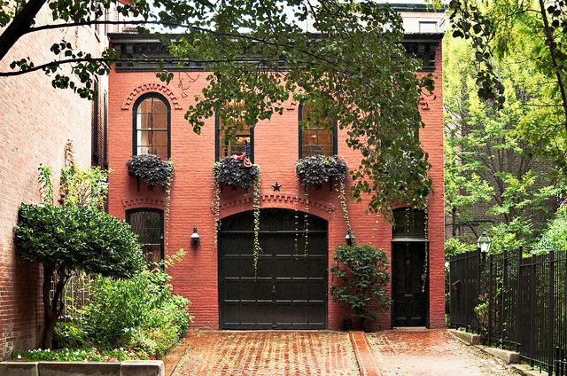 carriage house (c.1880), 151 Willow Street, Brooklyn Heights, New York - I cannot even describe how much I love this.