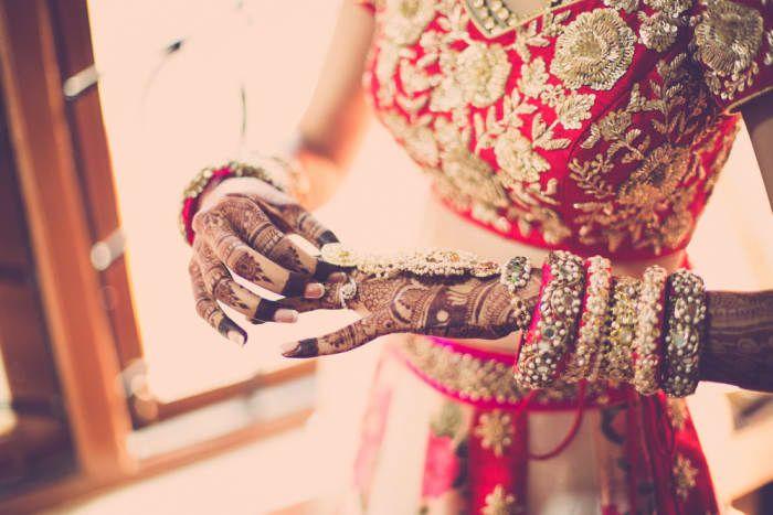 Jewellery - Exquisite Bridal Jewellery! Photos, Hindu Culture, Beige Color, Destination Wedding, Goa Wedding, Antique Jewellery pictures, images, vendor credits - The Photo Diary, The Wedding Soul, Indian By Manish Arora, WeddingPlz