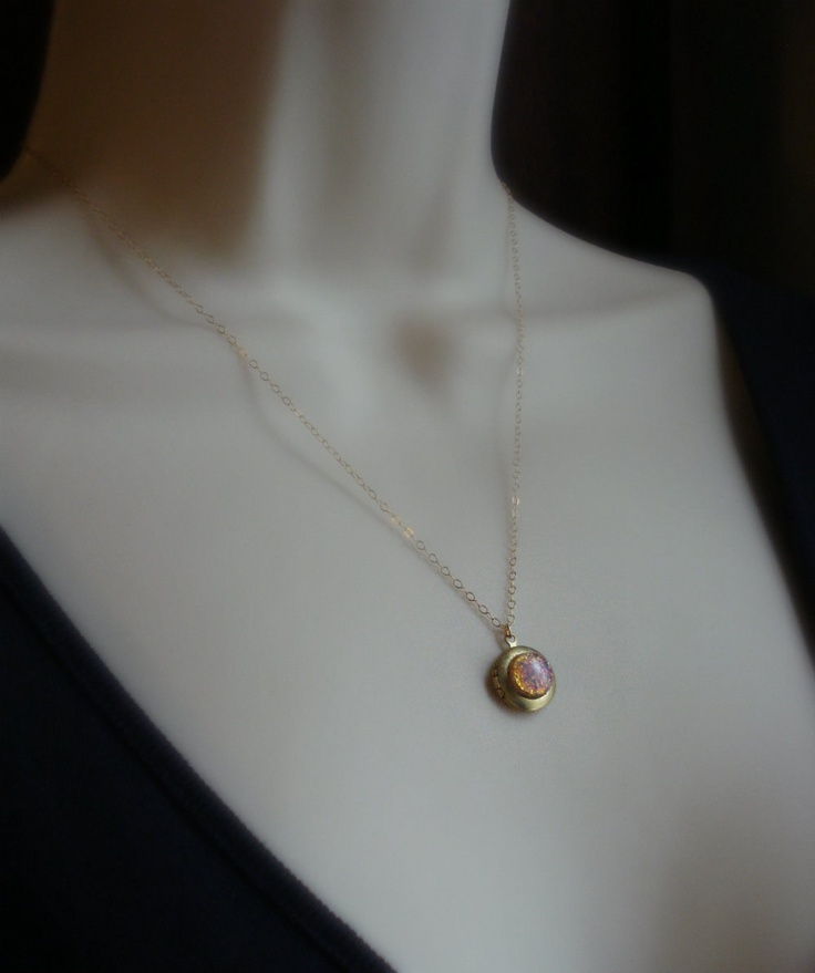 Small Vintage Locket Necklace. Fire Opal Gold Necklace