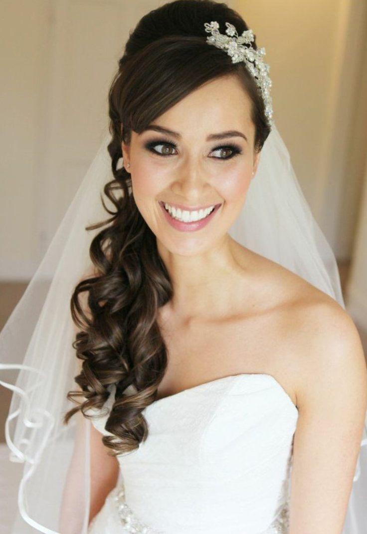 Resultado de imagen para peinados de novia con velo y diadema semiabiertos