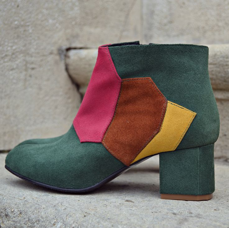 #fallwinter #boots #the5thelementshoes #rosettishowroom #newcollection #blockheels #the5thelementstore