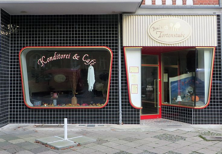 alternative sights in berlin a 1950s storefront and great cakes too berlin pinterest. Black Bedroom Furniture Sets. Home Design Ideas