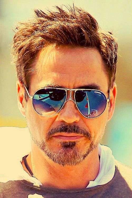 RDJ and his Carreras.