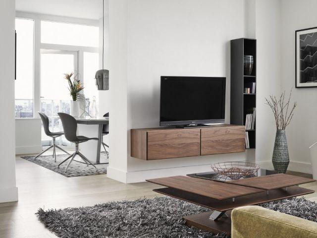 Un meuble télé assorti à la table basse