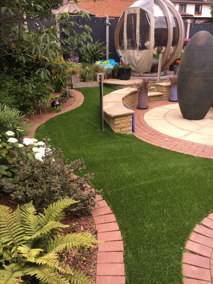 Unique Garden designs with artificial grass