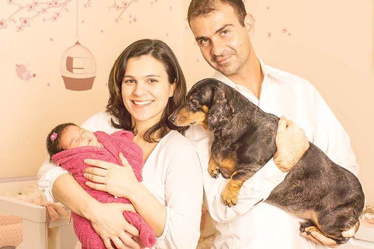 Fotografia de familia life style fotografia de familia recem nascido familia com bebe e cachorro