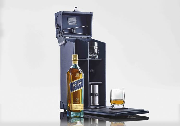 This Limited-Edition Johnnie Walker Tasting Kit was Designed by TUMI #drinking trendhunter.com