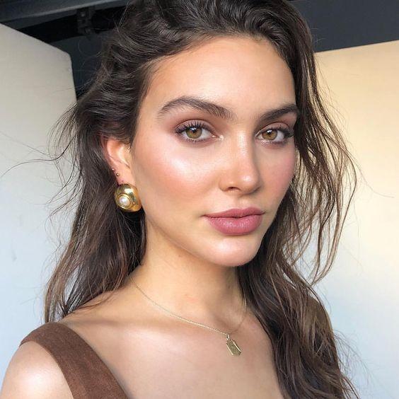 Simple soft makeup, natural makeup, Rosey makeup, summer makeup looks, highlight