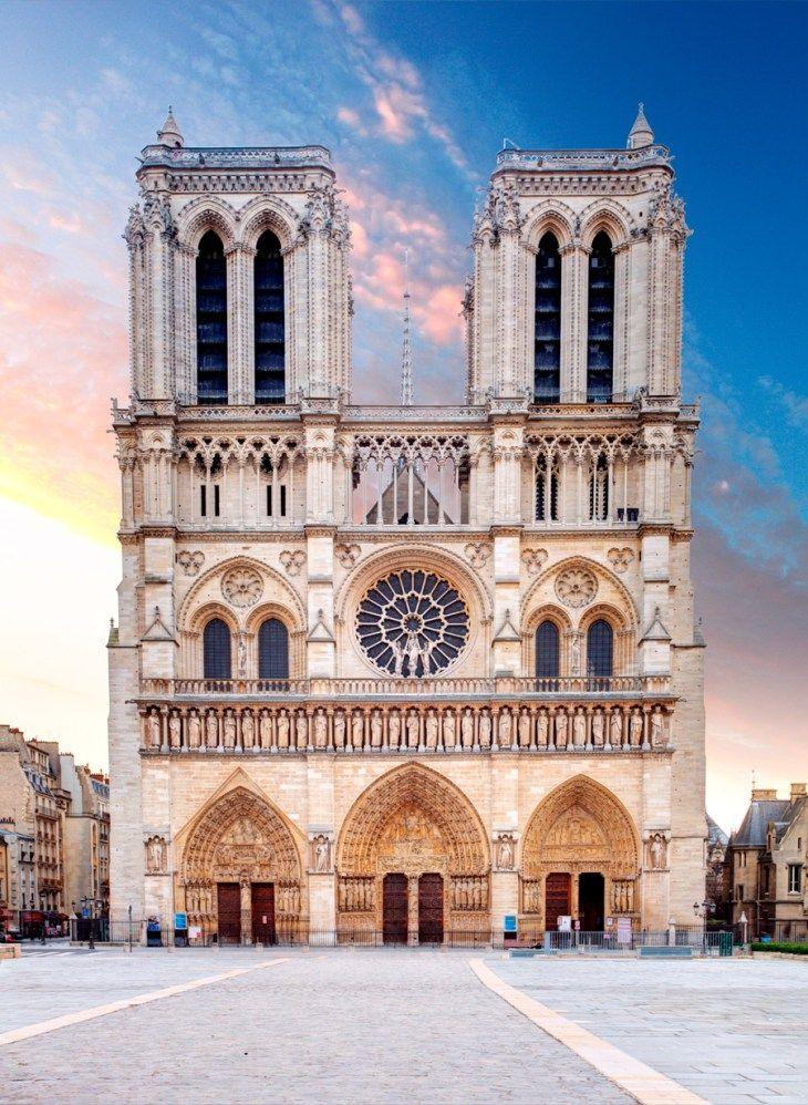 ノートルダムの鐘のモデルは、フランス・パリの「ノートルダム大聖堂」