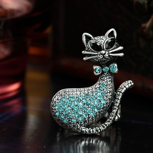 Antique Silver Stretch Rhinestone Cat Cocktail Ring Aquamarine ($5.95) ❤ liked on Polyvore