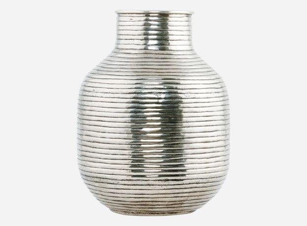 Ne0300 - Vase, Vertical, silver plated, dia.: 24 cm, h.: 31.5 cm, brass