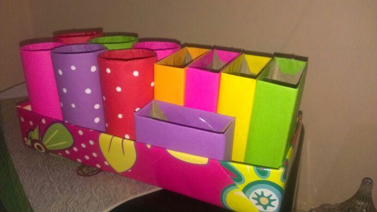 Organizador para el escritorio reciclando cajas de - Organizador de papeles ...