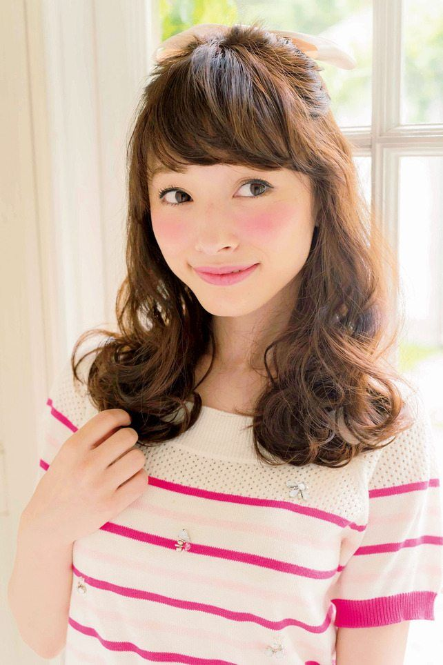 ほどよいボリュームのお嬢様ハーフアップ☆ 小顔ハーフアップの一覧。
