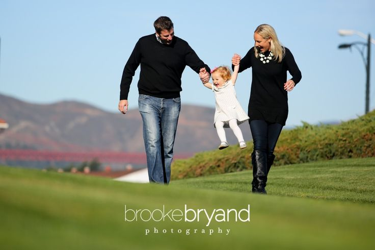 Play time with baby girl in the park Brooke Bryand Photography | San Francisco | Family Portrait | Presidio Letterman | Golden Gate Bridge | Fog city | Smiling baby girl | Capturing happy moments | Mommy and Daddy |