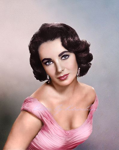 I loved Liz. And she wore Pink. What about you Mom, didn't you like her too?.......