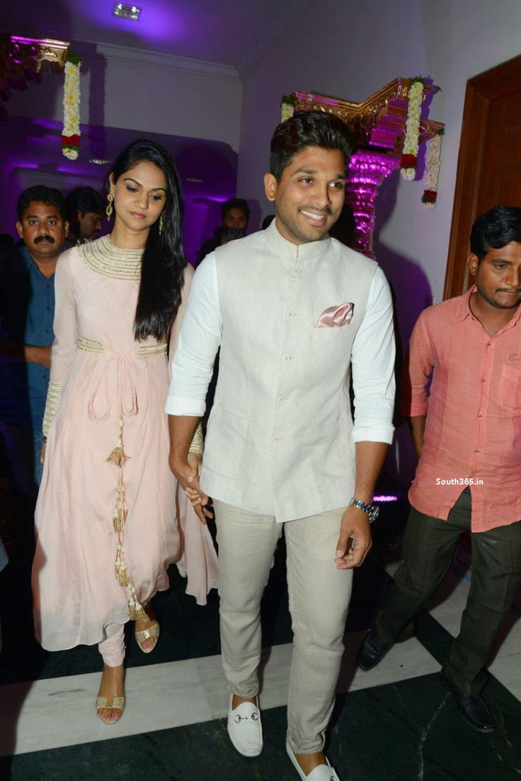 Allu Arjun Wife Sneha Reddy At Rajendra Prasad Son Wedding Reception (12)