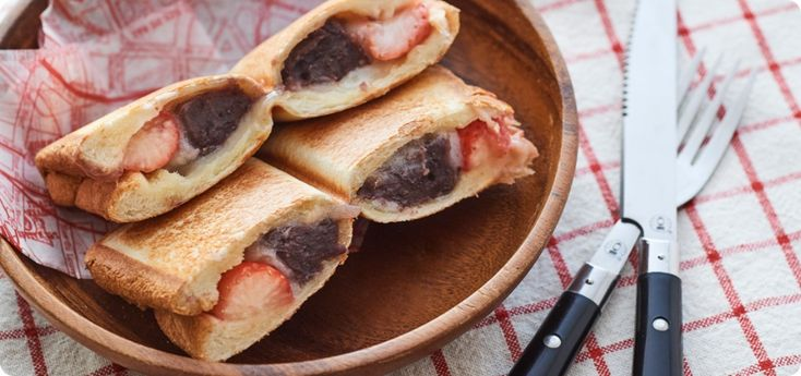 """For camping snacks! Recipe for """"Hot Sand Maker de Ichigo Daifuku Sand""""-Camping Recipe"""