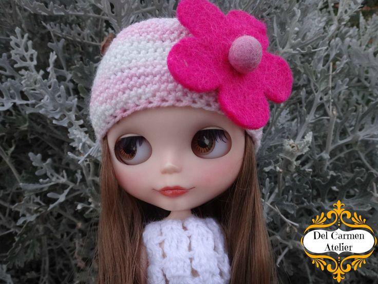 """""""Gorro flor"""", hecho de lana matizada rosada, flor de Paño Lency. Precio gorrito $4.000. (Chile)"""