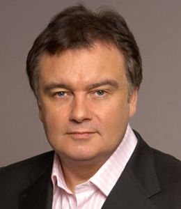 Eamonn Holmes divorce, married, wife, affair, children, twitter
