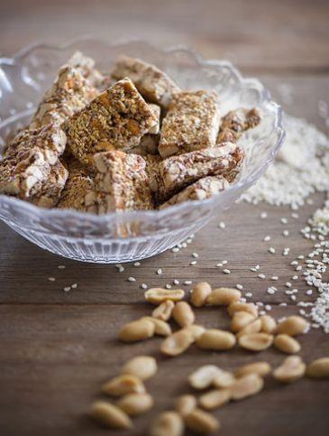 Παστελάκι με φιστίκια και αμύγδαλα | Γλυκά, Παραδοσιακά | Athena's Recipes