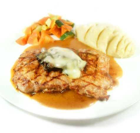 ENTRECOTE MONT BLANC. Grilled sirloin topped with mozzarella & mushroom, served with mashed potato & regular vegetables, in a rich gravy sauce. Meat choice is available in local / Aust./ Wagyu beef.