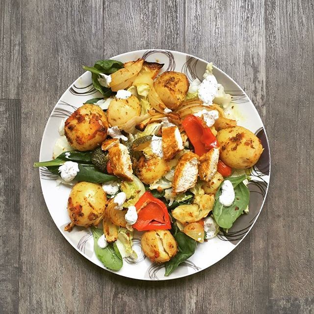 Craving an indian? Give in to those cravings with this delicious healthy alternative to a takeaway. 😆  The recipe can be found over on my blog, the link is below.😊☺️ http://girlvstupperware.com/2016/10/14/chicken-tikka-salad-bombay-potatoes-a-minty-yogurt-dressing  #girlvstupperware #tasty #healthyindianfood #healthyeating #recipeideas #dinner #blogger #norwichblogger #chickentikka #cleaneating #healthymeals #foodie #tastyfood #lifestylenotadiet  Yummery - best recipes. Follow Us…