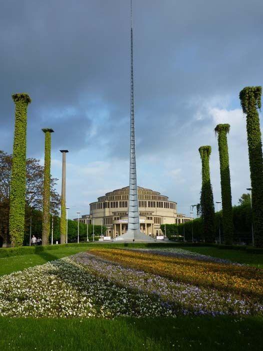 Iglica fait partie de l'exposition des terrains récupérés après la Seconde Guerre Mondiale - Photo  © Chilangoco - Flickr.com #Pologne