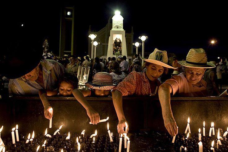 A fé dos romeiros em Juazeiro do Norte, Ceará - BRASIL Rodrigo Capote