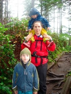 The 10 essentials your family should ALWAYS have in your backpack when you hike...we'd add TriCalm, of course!