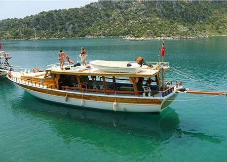 Antalya Kaş'ta çeşitli gezintiler yapabilir, otelimizin özel plajında güneşlenebilir, denize girebilir havuz keyfini çıkarabilir, isterseniz özel teknemizle Kekova'ya keyifli bir gezi yapabilir yada dalış okulumuzla deniz altını keşfedebilir ve tatilin keyfini çıkarabilisiniz. www.korsanadahotel.com #kaşotel #kaşbutikotel #hotelkaş #kaşotelleri