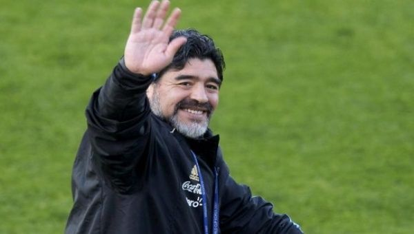"""#Media #Oligarchs #MegaBanks vs #union #occupy #BLM #SDF #DemExit #Humanity   Maradona Warns Ecuador Voters: Don't Become Another Argentina   http://www.telesurtv.net/english/news/Maradona-Warns-Ecuador-Voters-Dont-Become-Another-Argentina-20170322-0030.html   """"He (Lenin Moreno) is trying to be the president of an Ecuador that doesn't want to follow the path of Argentina,"""" Maradona said.  Argentine soccer legend Diego Maradona encouraged Ecuadorean voters Wednesday to support leftist…"""
